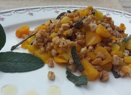Grano antico ai peperoni, zucca e salvia